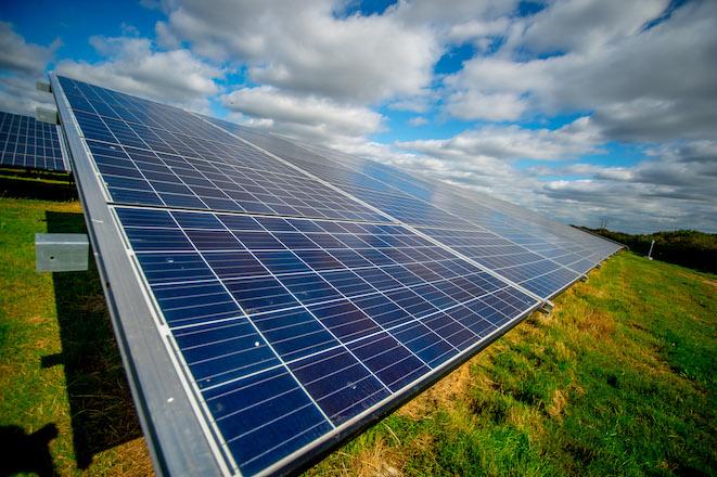 181003 DCOOL SolarFarm  1 of 58   WEB