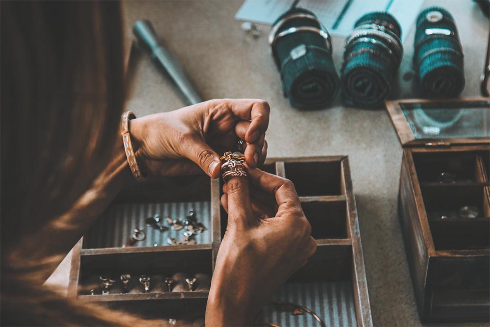 sell jewellery 1