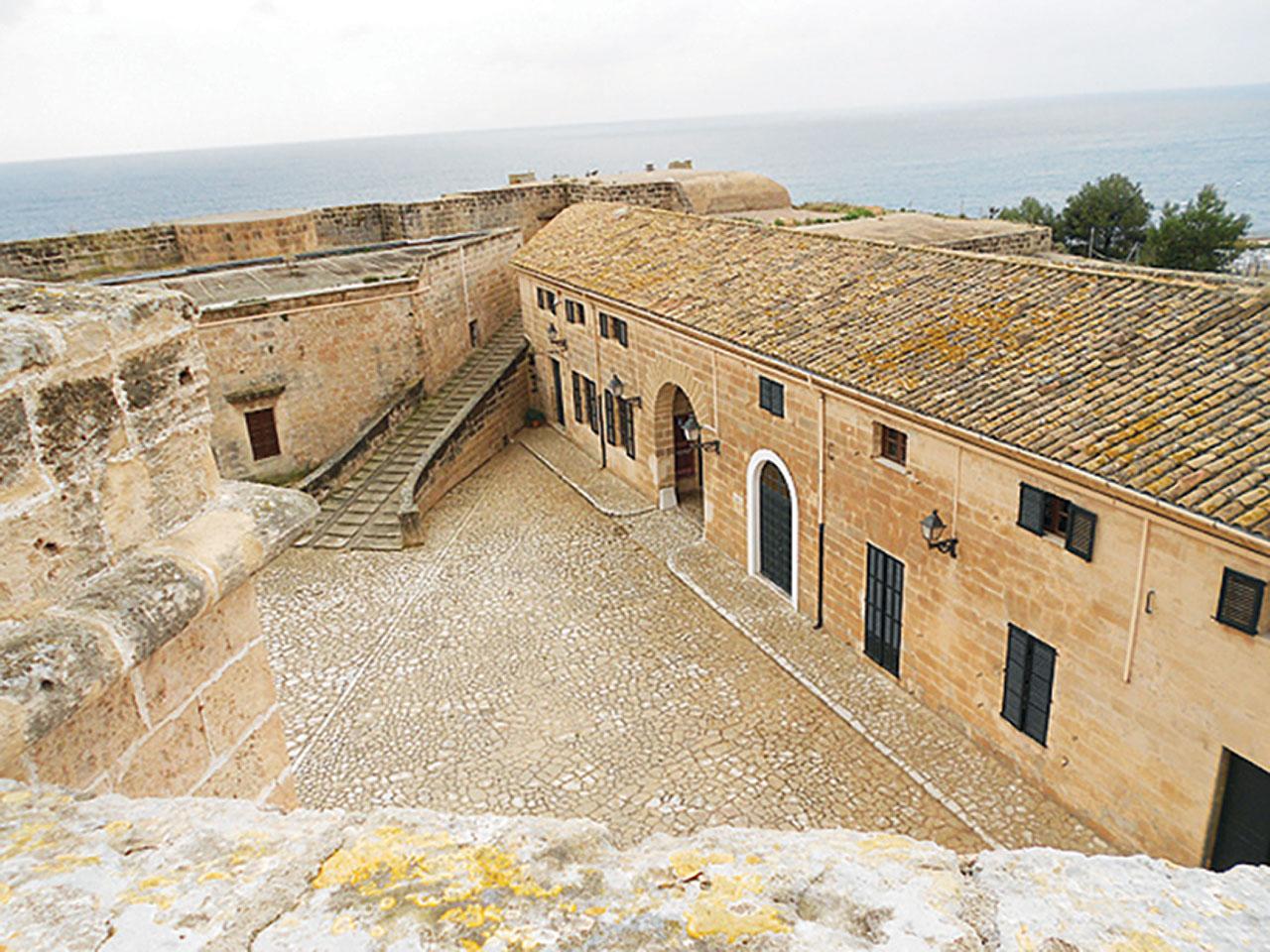 Castillo Militar San Carlos