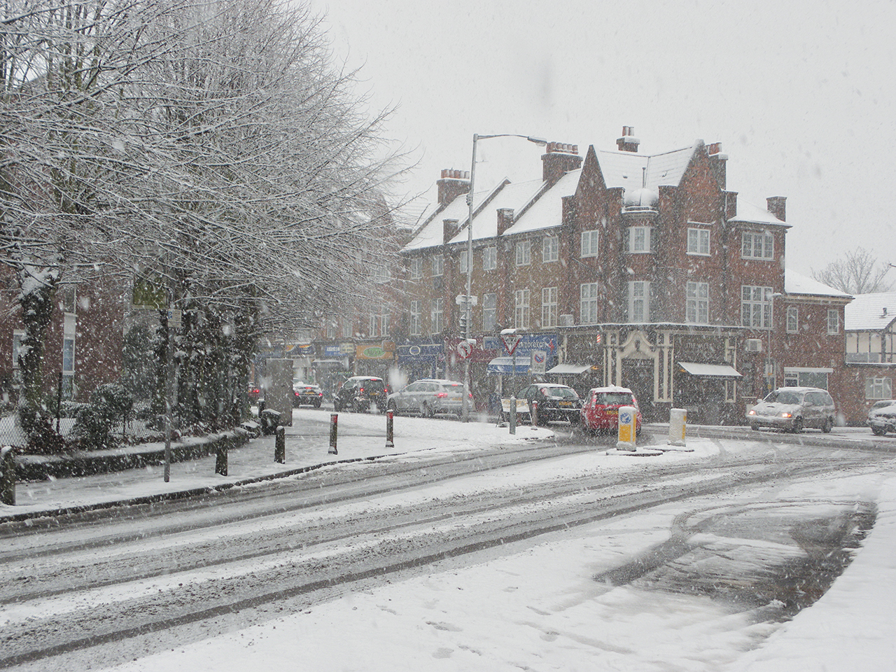 Snow in Addiscombe Surrey